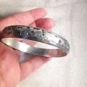 Jewelry - Silvertone Bangle Floral Design Bracelet
